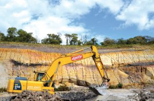 Ball clay being mined at quarry in Dorset. porcelain Raw Materials Play Crucial Role in Performance of Electrical Porcelain insulator 4