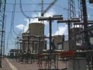 Cooling towers and circuit breakers of a 400 kV coal-fired power station. flashover Flashovers Combatted at South African Substation Topic 5 June 8 05 300x225