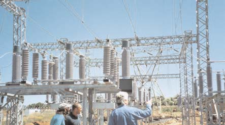 New Uitkamp 132 kV substation coated before being put into service flashover Flashovers Combatted at South African Substation Topic 5 June 8 06