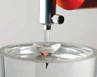 图1:有机硅凝胶通常是软材料,其硬 度/柔软度可通过锥入度来测量。(图 片:瓦克化学股份有限公司) 认识电气工程用有机硅凝胶 认识电气工程用有机硅凝胶 Topic 4 July 27 001 Copy