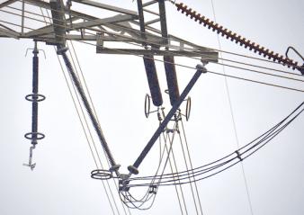 line arrester Transmission Line Arresters Lower Losses & Increase Reliability Transmission Line Arresters Lower Losses 338x239   Transmission Line Arresters Lower Losses 338x239