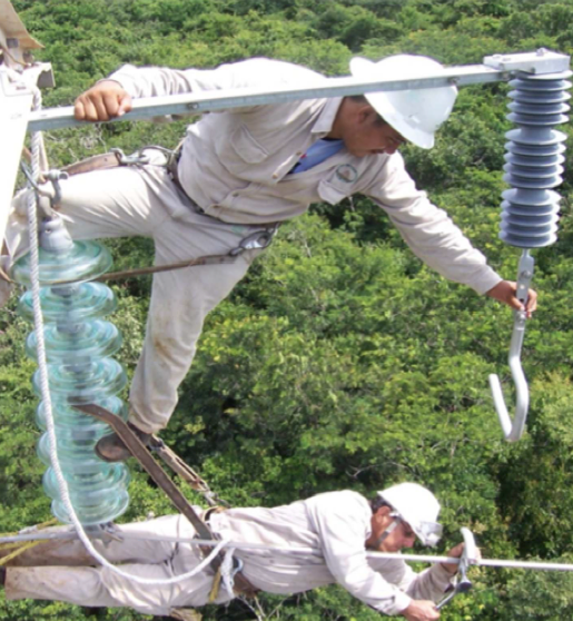 Fig. 18: Installation of externally gapped 115 kV arrester and arc receiver on conductor. vibration damper Interaction of Line Surge Arresters with Vibration Dampers Screen Shot 2016 04 01 at 1