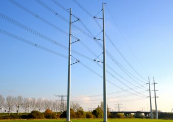 POWER ARC TESTING ON INSULATOR SETS transmission line Dutch Grid Operator Developed New Transmission Line Design Photo for Topic 1 July 18 1 338x239   Photo for Topic 1 July 18 1 338x239
