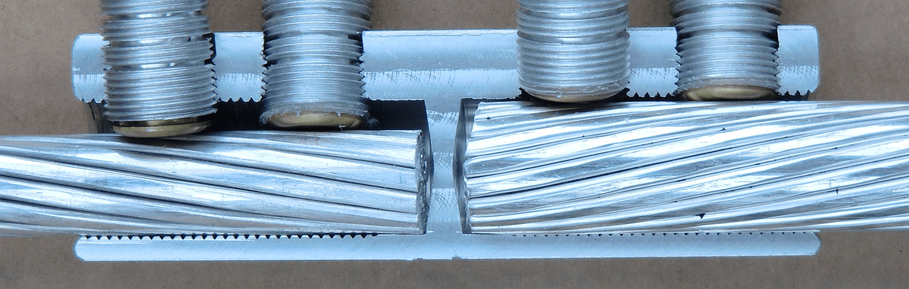 Fig. 1: Mechanical connector with separation wall. paper-insulated cables Transition Joints Serve Growing Role Screen Shot 2016 08 05 at 15