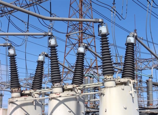 substation Program of Pollution Countermeasures Paid Off at Key Transmission Substation All transformer bushings and cable terminations at Hamilton Beach are equipped 1 1