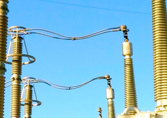 arrester Arrester − Transformer Separation Distance in Substations Arrester     Transformer Separation Distance in Substations