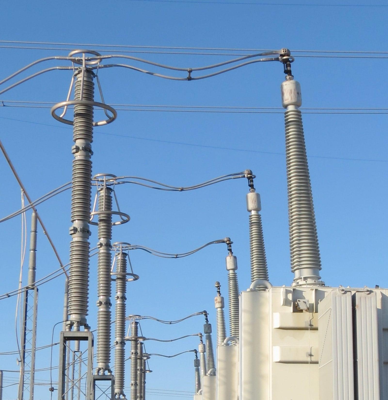 arrester arrester Arrester − Transformer Separation Distance in Substations Figure 1 Separation Distance on 345kV Transformer