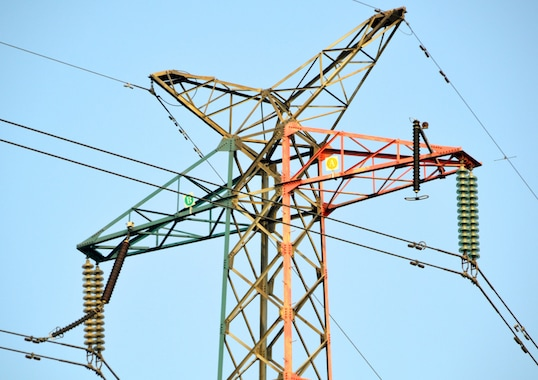 line arrester Utility Reduced Lightning Outages with Line Arrester Investment Program Photo for Topic 5 July 9