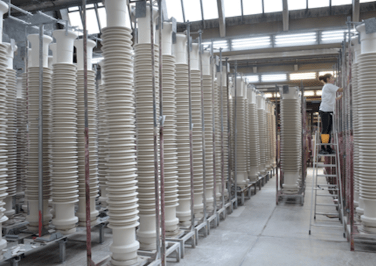 Seismic Performance Seismic Performance of Porcelain Insulators at Substations Seismic Performance of Porcelain Insulators at Substations