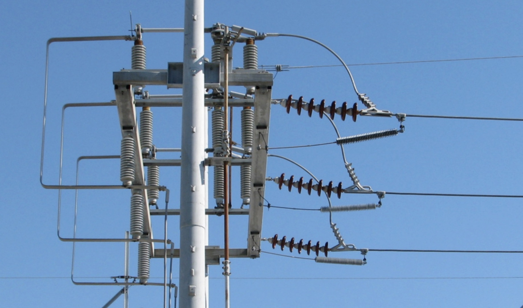 Arrester Technology: Lessons Learned, Developments to Watch Transmission line arresters at line entrance to protect open breaker