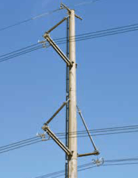 Fig. 5. 420 kV compact line near Cape Town (braced twin post design). cross-arms Composite Insulating Cross-Arms for 400 kV Lattice Towers Screen Shot 2016 04 29 at 1