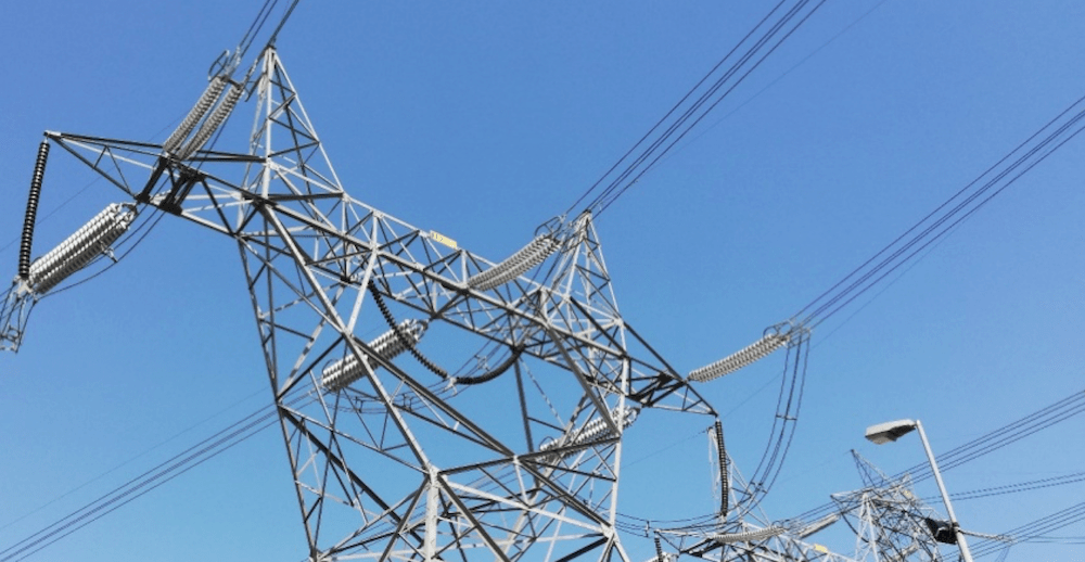 Expanding Grid in Pakistan Confronts Challenges of Pollution, Icing & Lightning (Part 2 of 2) Examples of insulator strings on existing 132 kV top 500 kV transmission lines in Northern Pakistan