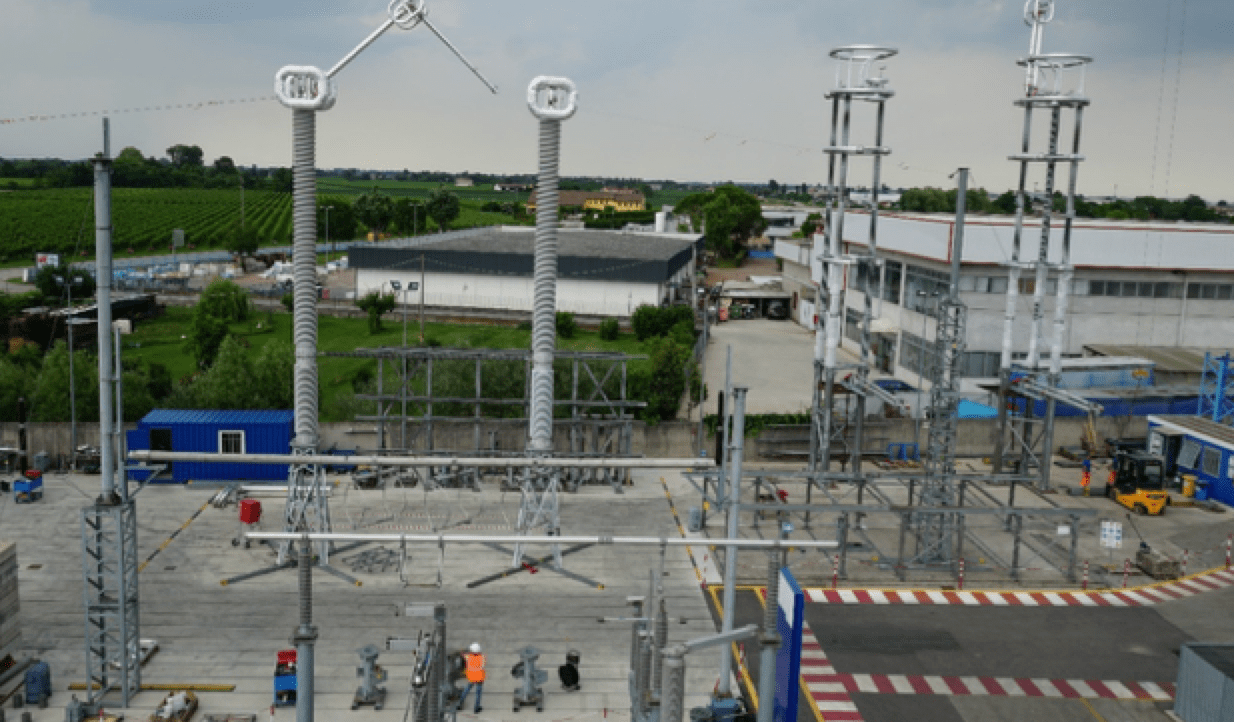 Selecting Post Insulators for Disconnectors & Other Substation Applications SPOL 800 kV supported by one insulator