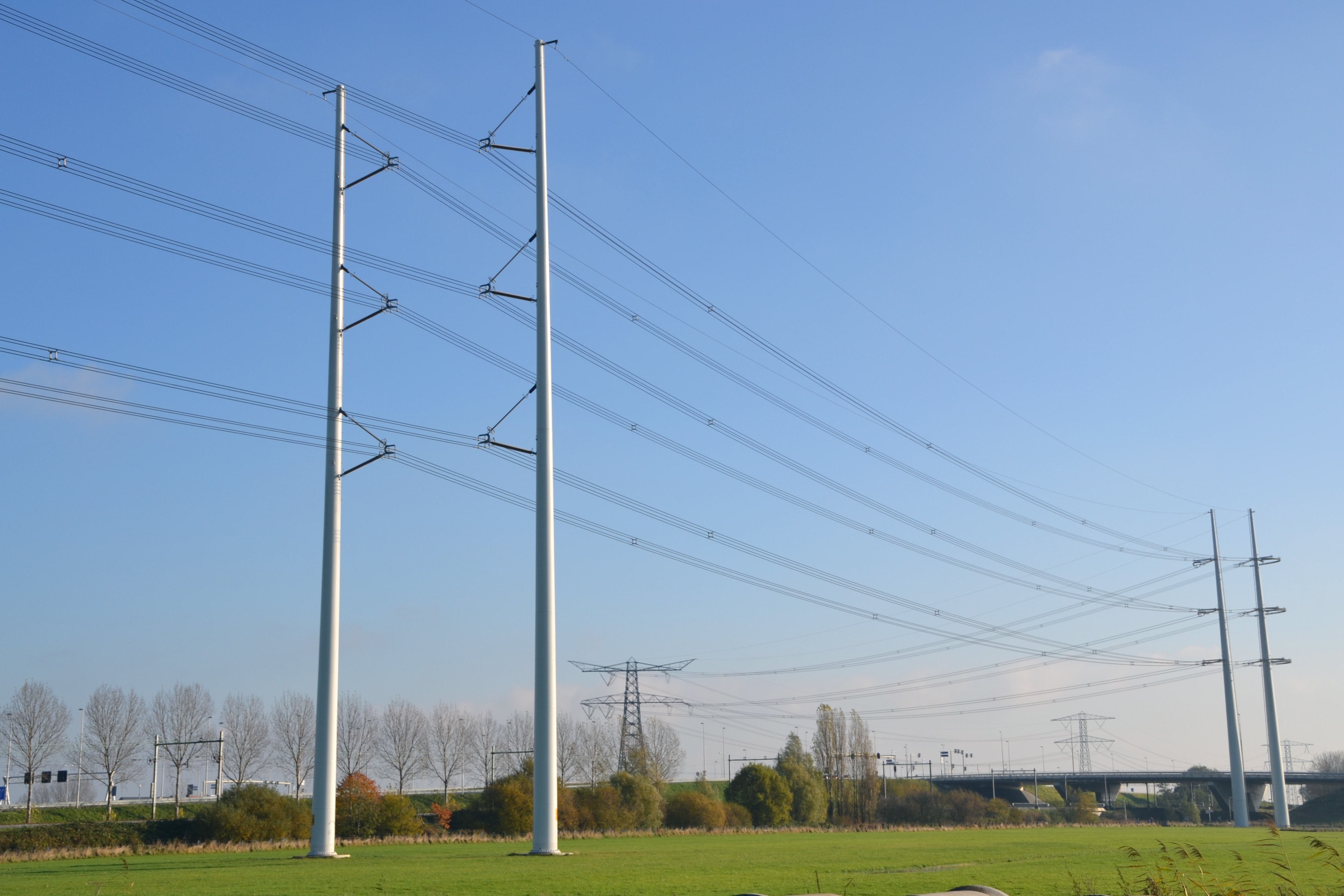 Grid Operator Developed New Transmission Line Design