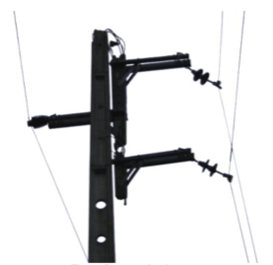 emergency repair on mv networks Emergency Repair on MV Networks: Experience in Portugal Damaged pole top